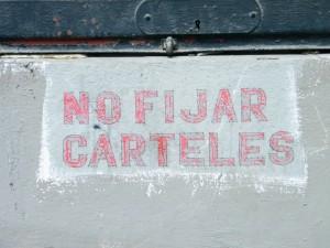 prohibición de fijar carteles