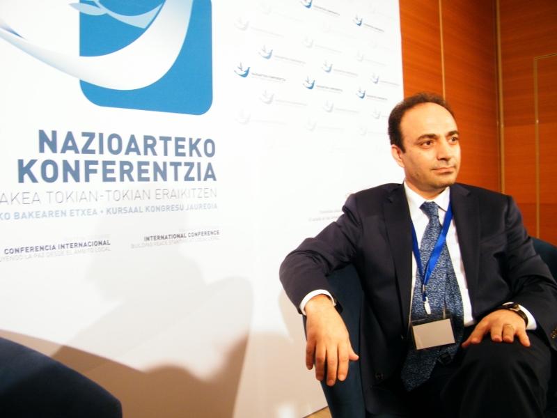 Osman Baydemir en la Conferencia Internacional de Paz de Donostia
