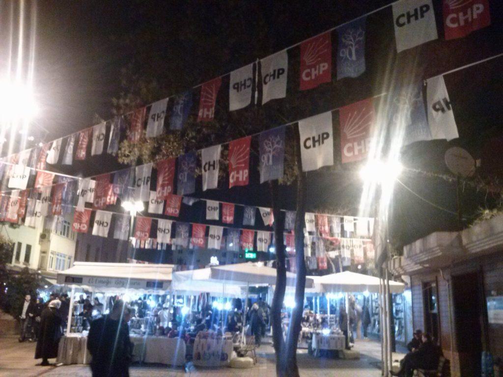 banderitas de partidos en Turquia