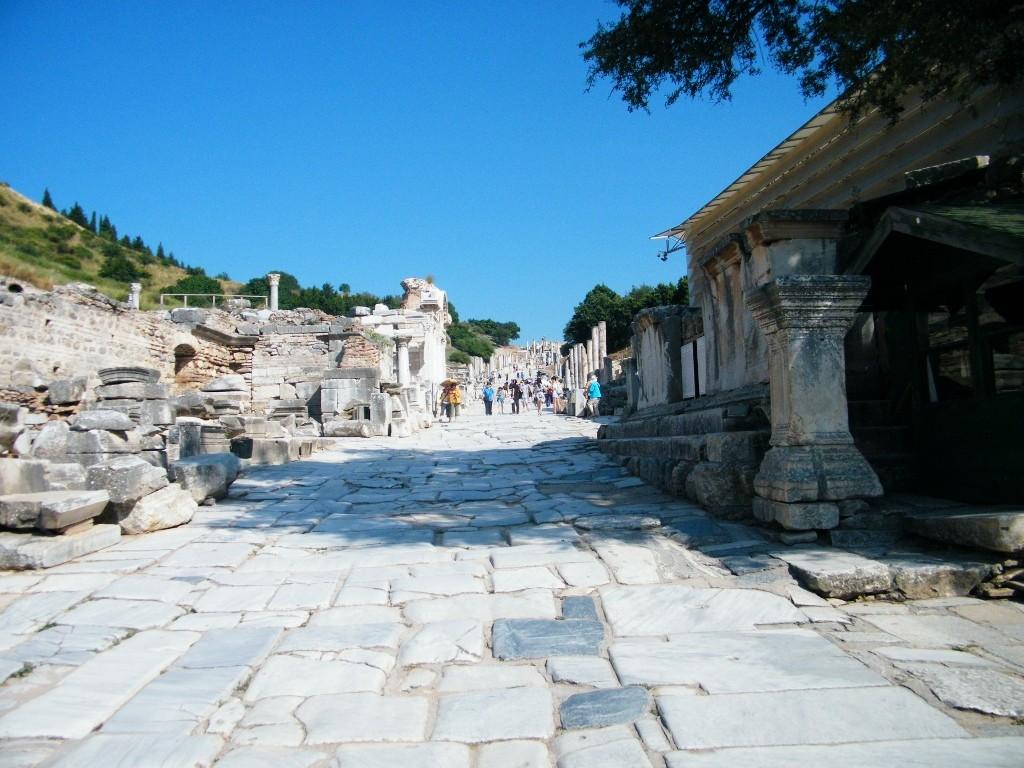 hacia el teatro pequeño en Ephesus