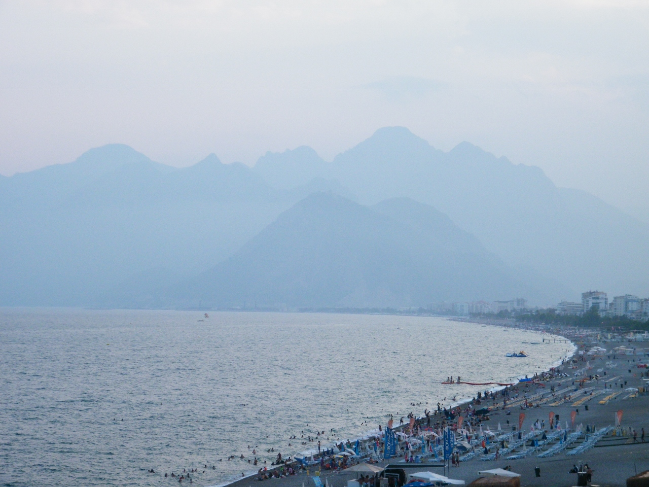 De las montañas impactantes de Antalya a las ruinas/playa de Olympus
