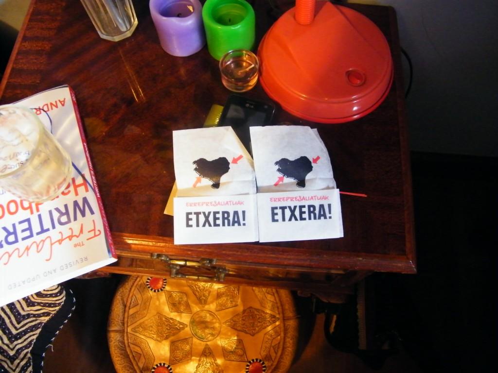 Servilletas y reivindicaciones de presos a Euskadi